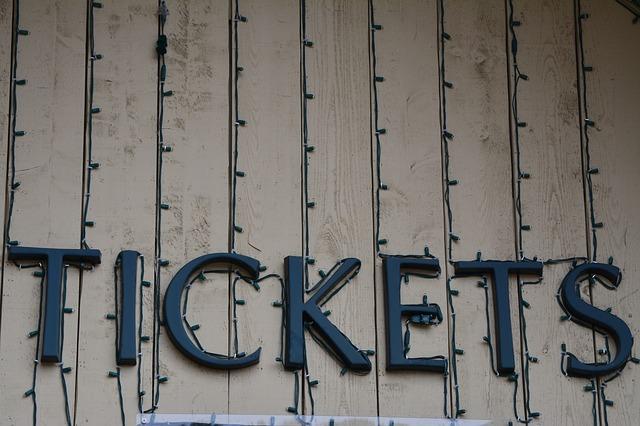 劇団四季ノートルダムの鐘 当日券立見席チケット入手方法:何時から並べば買える?