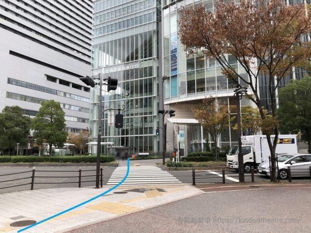 ハービスENT・大阪四季劇場前横断歩道(旧大阪郵便局前側より)
